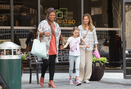 Angela (Queen), Anna and mom on the town