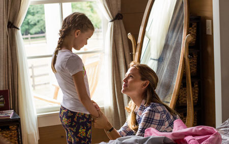 Mom (Jennifer Garner) tells Anna it will be okay