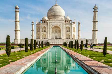 The gorgeous Taj Mahal
