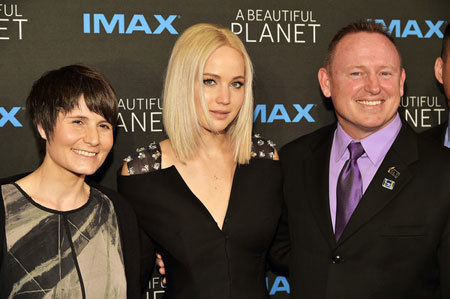 Butch Wilmore with Jennifer Lawrence and astronaut Cristoforetti