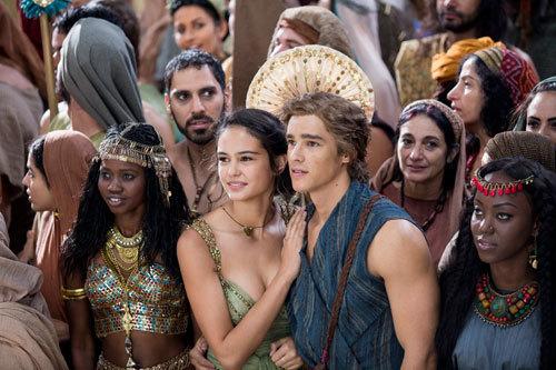 Bek and Zaya attend the coronation of Hathor
