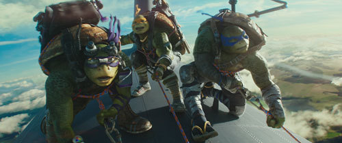 Donatello, Michaelangelo and Leonardo on plane wing