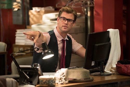 Chris Hemsworth as secretary Kevin