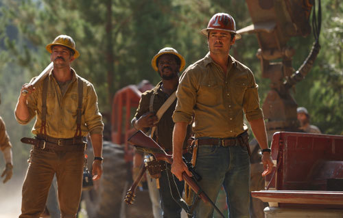 Gavin (Karl Urban) and his loggers want to catch Elliot