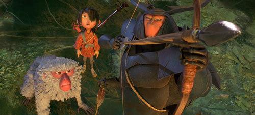 Beetle (Matthew McConaughey) protects Kubo and Monkey