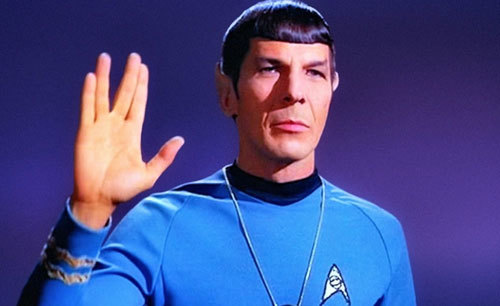 Leonard Nimoy gives the Spock salute