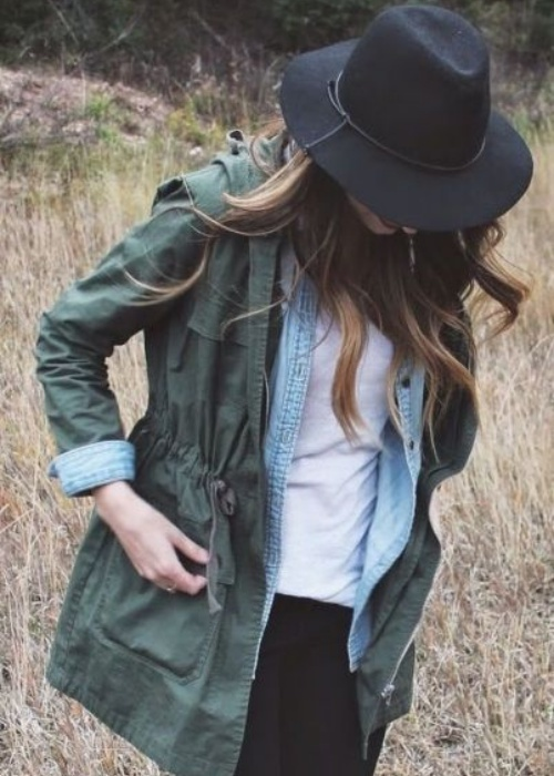 Three light layers and a jaunty hat add up to fashion and comfort