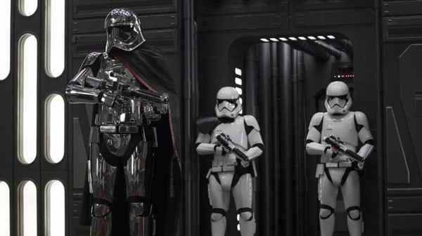 Phasma with her troopers