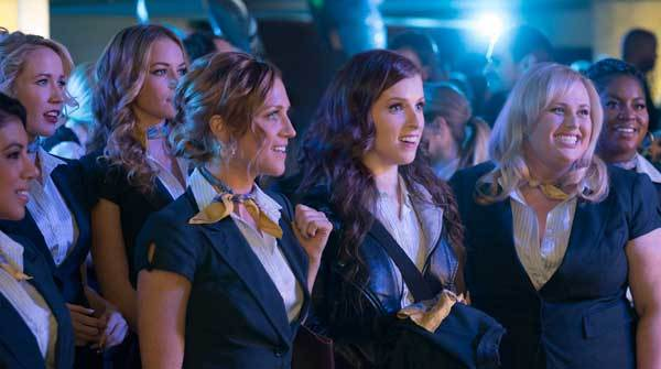 Chloe and Beca lead the bellas to victory
