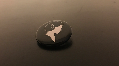 A Princess Leia pin.