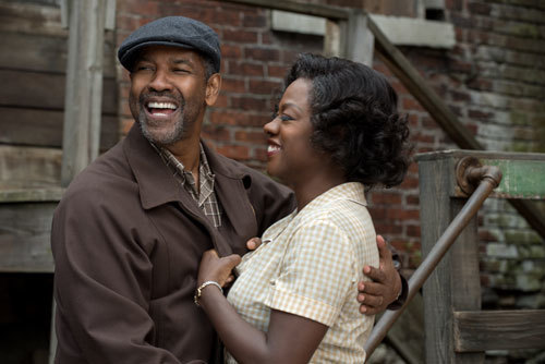 Denzel Washington plays Troy Maxson and Viola Davis plays Rose Maxson