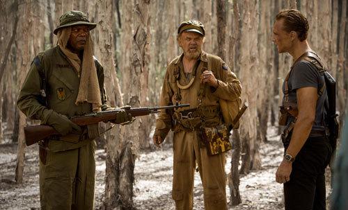 Preston Packard (Samuel L. Jackson) confronts Tom as Conrad