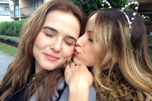 Best pal Lindsay kisses bestie Samantha