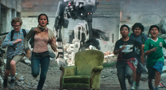 Izzy and kids run from a walker in wrecked Chicago
