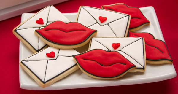 Seal Your Cookies with a Kiss