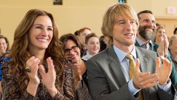 Julia Roberts and Owen Wilson (Auggie's parents) clap for him