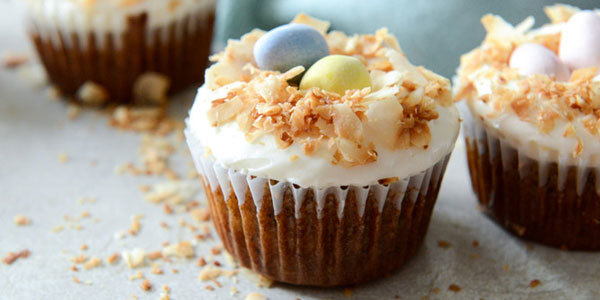 Feature carrot cake easter cupcakes feat