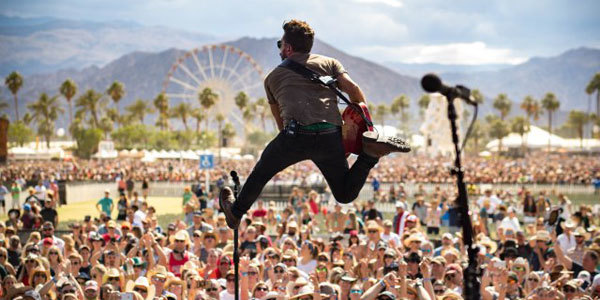 Feature stagecoach music festival feat
