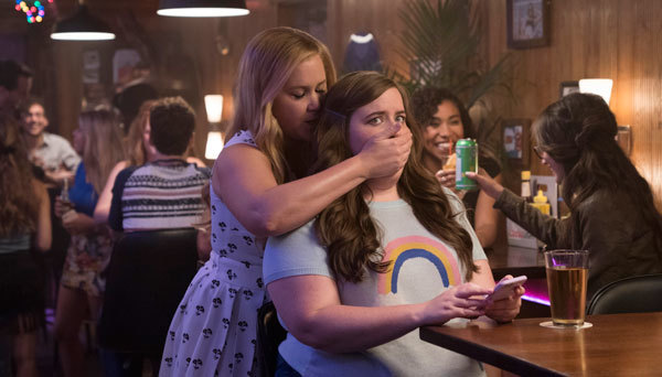 Renee (Amy) with bestie played by Aidy Bryant