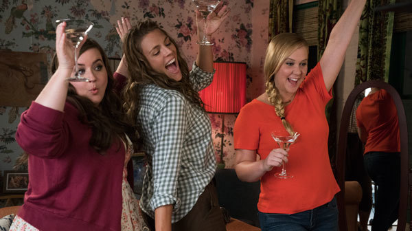 Renee (Amy, right) parties with pals (Aidy far left)