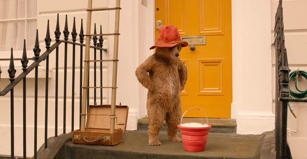 Paddington tries to be a window cleaner