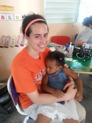 Dominican Republic mission volunteer helps girl