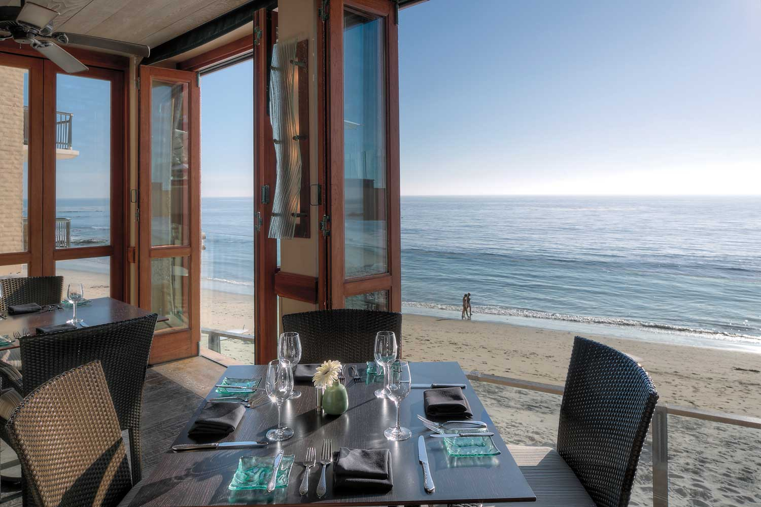 Surf & Sand Splashes Restaurant