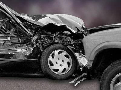 Three injured during Benton County head on crash