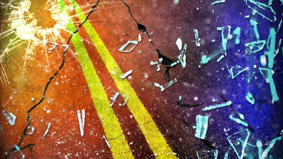 Lexington teen driver injured in early Monday crash