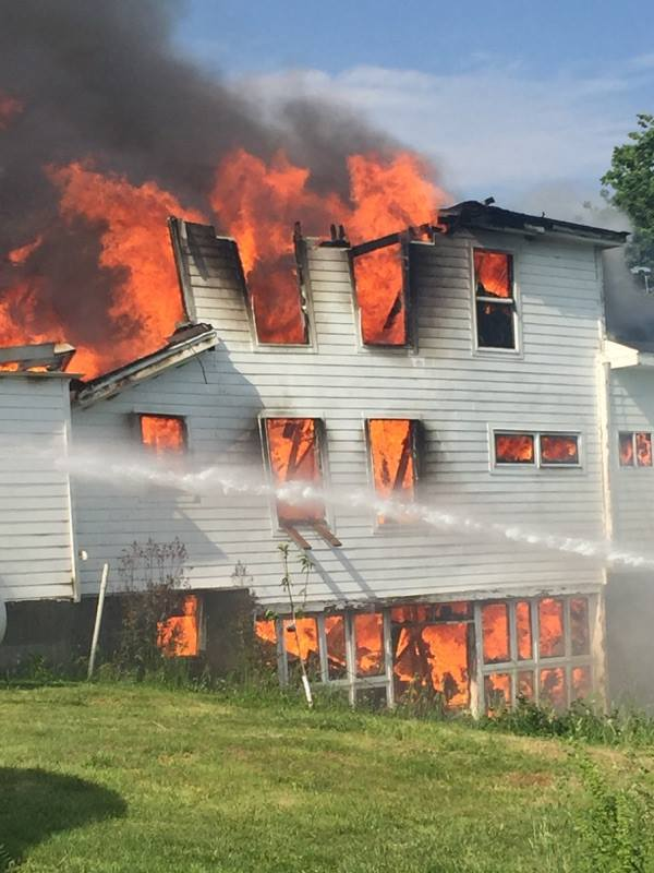 UPDATE–Structure a total loss following blaze in Johnson County
