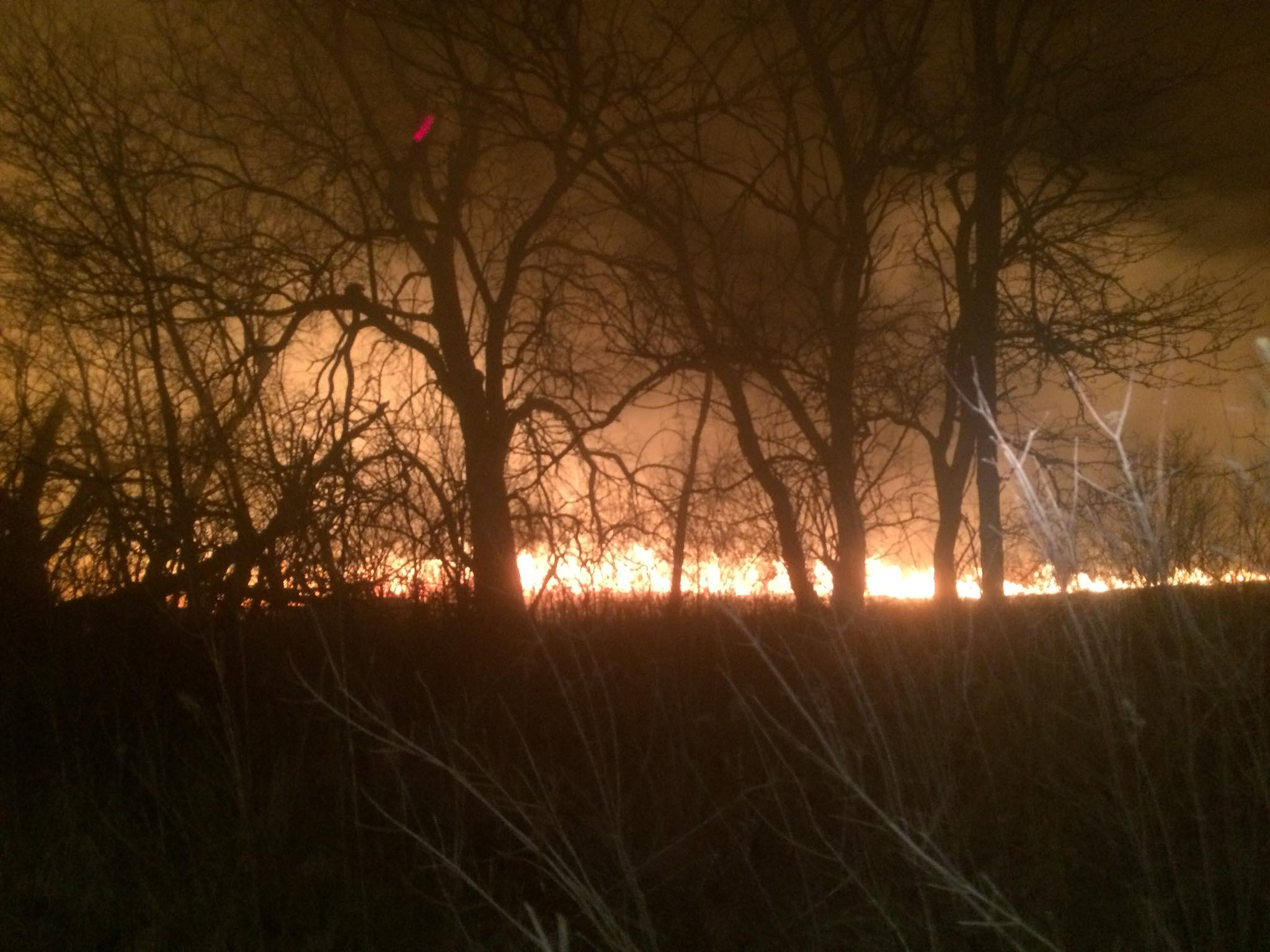 Massive brush fire doused near Braymer Thursday