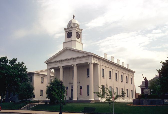 Accused burglar has case continued in Lafayette County