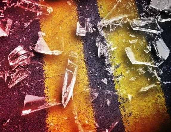 Vehicle wreck injures one, spares two in Ray County