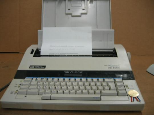 Smith Corona 5P XD 5500 Memory Typewriter + Case