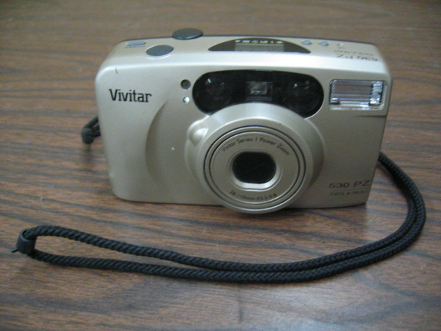 Vivitar 530 PZ Point and Shoot 35mm Film Camera