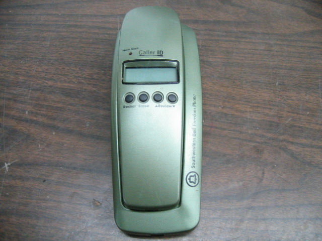 Southwestern Bell FM2552RT Freedom Phone Corded Green