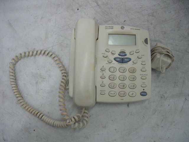 GE Corded Phone 29893GE1-B Digital Answerer