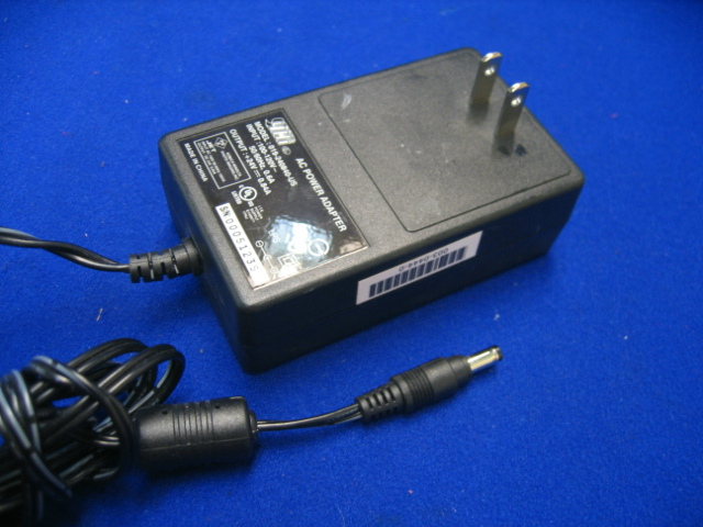 YHI 019-240840-US +24V .84A AC Adapter Power Supply