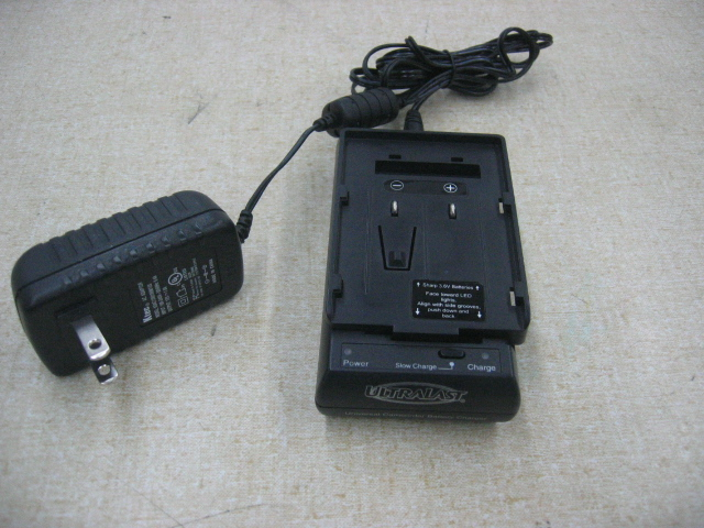 Ultralast ULCV1 Universal Camcorder Battery Charger