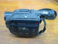 Panasonic Palmcorder PV-14 Camcorder 8x Auto Focus