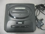 Sega Genesis Video Game System MK-1631 w MK-1632 AV Cable Bundle