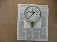 Central Pressure Gauge 300 PSI 3.5