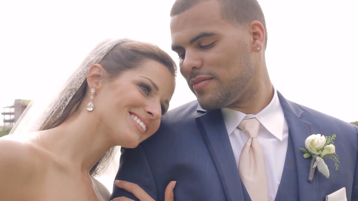 Lindsey and Robbie Wright were married at Noah's Event Venue on a beautiful day in May.