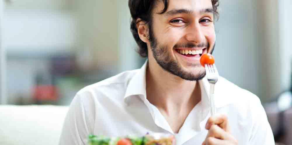 Pesquisa revela que homens acreditam serem mais leves do que realmente são e muitos desconhecem sobrepreso