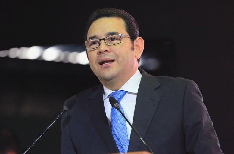Ministros de Finanzas, Trabajo y Gobernación renuncian a su cargo