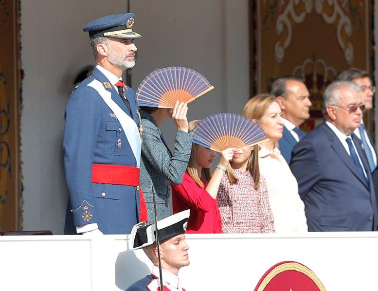 España celebra fiesta nacional en plena crisis secesionista