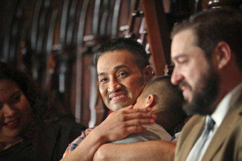Filadelfia: mexicano pone fin a su refugio en una iglesia