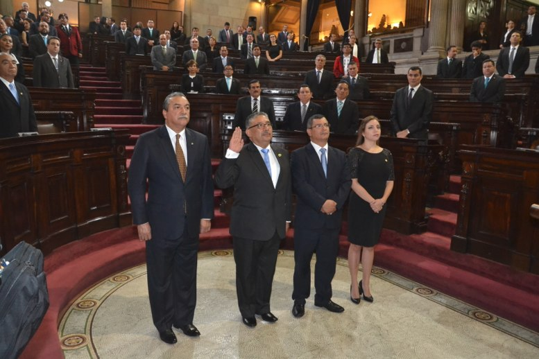 Presidente de Corte de Jusiticia guatemalteca jura ante Congreso