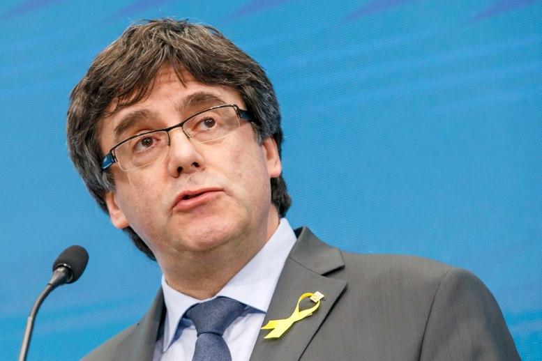 Parlamento catalán exige derecho de Puigdemont a ser presidente regional