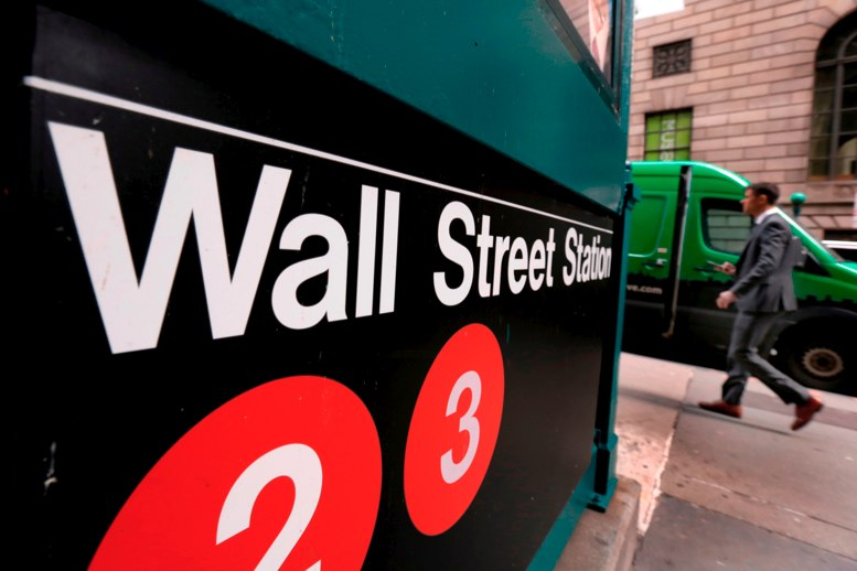Wall Street gana ante optimismo por ganancias corporativas
